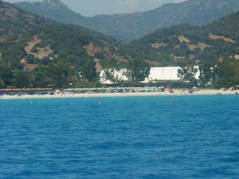Szardínia kirándulás, a Matilda nevű vitorlás hajóval a Punta Molentis öbölbe