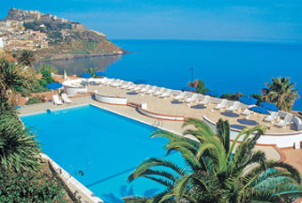 hotel_pedraladda_medence2