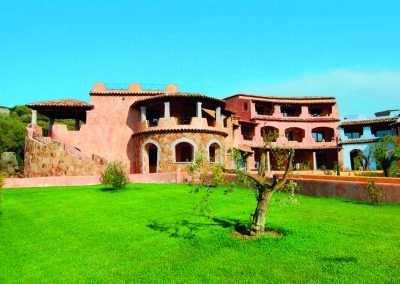 szardinia_hotel_3_csillagos_eszaki_part_borgo_di_punta_marana_marinella_obol_apartman_kulso