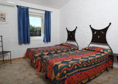 szardinia_hotel_3_csillagos_eszaki_part_bungalow_club_village_san_teodoro_ket_agyas_haloszoba
