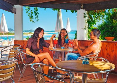 szardinia_hotel_3_csillagos_eszaki_part_bungalow_club_village_san_teodoro_koktelbar
