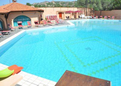 szardinia_hotel_3_csillagos_eszaki_part_club_esse_hotel_cala_bitta_smaragdpart_medenceje