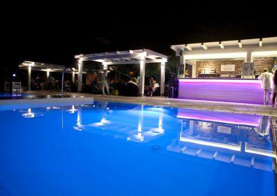 szardinia_hotel_3_csillagos_eszaki_part_club_esse_hotel_sporting_medence_ejjel