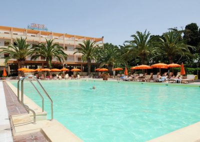 szardinia_hotel_3_csillagos_eszaki_part_hotel_oasis_alghero_hotel_medence