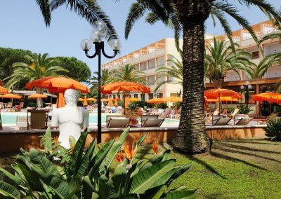 szardinia_hotel_3_csillagos_eszaki_part_hotel_oasis_alghero_medence