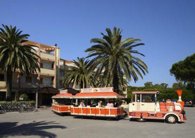 szardinia_hotel_3_csillagos_eszaki_part_hotel_oasis_alghero_varosnezo_kisvonat