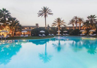 szardinia_hotel_4_csillagos_deli_part_hotel_aquadulci_domus_de_maria_chia_hotel_medence
