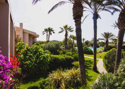 szardinia_hotel_4_csillagos_deli_part_hotel_aquadulci_domus_de_maria_chia_kert