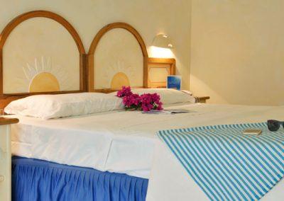 szardinia_hotel_4_csillagos_eszaki_club_esse_posada_beach _resort_palau_haloszoba