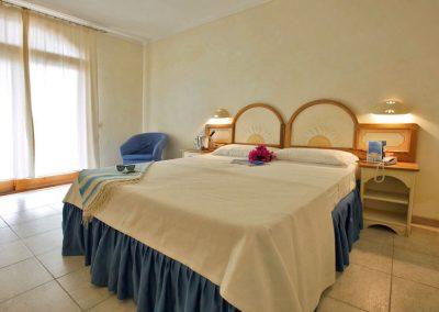 szardinia_hotel_4_csillagos_eszaki_club_esse_posada_beach _resort_palau_szoba