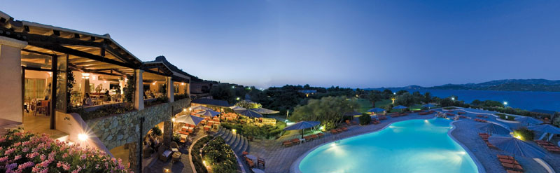 szardinia_hotel_4_csillagos_eszaki_part_cala_di_falco_resort_cannigione_etterem