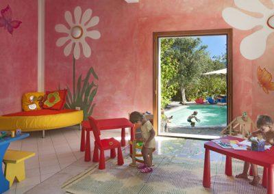 szardinia_hotel_4_csillagos_eszaki_part_cala_di_falco_resort_cannigione_miniclub