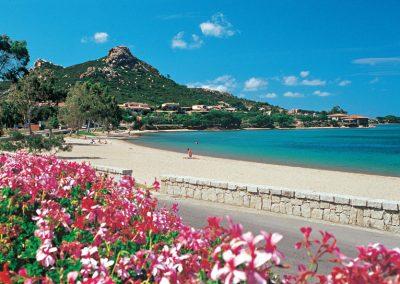 szardinia_hotel_4_csillagos_eszaki_part_cala_di_falco_resort_cannigione_tengerpart
