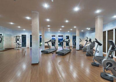 szardinia_hotel_4_csillagos_eszaki_part_cala_di_lepre_park_hotel_spa_palau_cardio_fitness