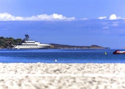 szardinia_hotel_4_csillagos_eszaki_part_colonna_beach_hotel_golfo_di_marinella_tenger_hajo