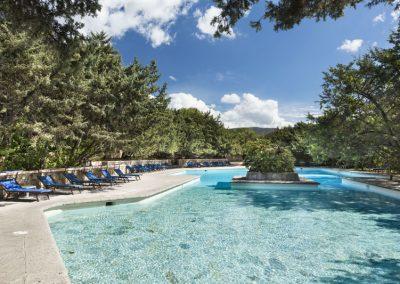 szardinia_hotel_4_csillagos_eszaki_part_dune_village_resort_badesi_medence