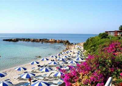 szardinia_hotel_4_csillagos_eszaki_part_hotel_dei_pini_alghero_strand