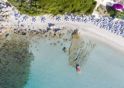 szardinia_hotel_4_csillagos_eszaki_part_hotel_dei_pini_alghero_tengerpart_fentrol