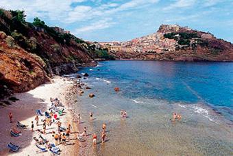 szardinia_nyaralas_castelsardo_tengerpart