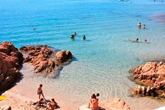 szardinia_nyaralas_isola_rossa_tengerpart