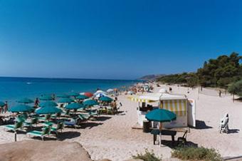 szardinia_nyaralas_santa_margherita_di_pula_tengerpart_strand