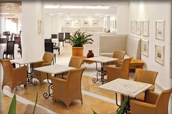 szallasok_szardinia_hotelek_5_csillagos_lea_bianca_luxury_resort_baia_sardinia_etterem3