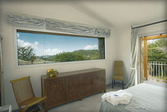 szallasok_szardinia_hotelek_5_csillagos_lea_bianca_luxury_resort_baia_sardinia_halo