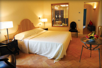 szallasok_szardinia_hotelek_5_csillagos_lea_bianca_luxury_resort_baia_sardinia_halo2