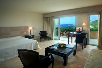 szallasok_szardinia_hotelek_5_csillagos_lea_bianca_luxury_resort_baia_sardinia_halo4
