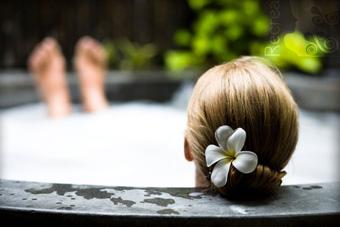 szallasok_szardinia_hotelek_5_csillagos_lea_bianca_luxury_resort_baia_sardinia_jakuzzi2