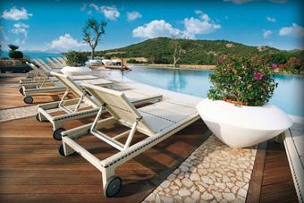 szallasok_szardinia_hotelek_5_csillagos_lea_bianca_luxury_resort_baia_sardinia_medence2