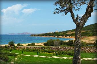 szallasok_szardinia_hotelek_5_csillagos_lea_bianca_luxury_resort_baia_sardinia_tengerpart