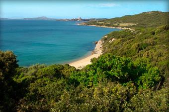 szallasok_szardinia_hotelek_5_csillagos_lea_bianca_luxury_resort_baia_sardinia_tengerpart4