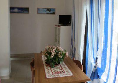 szardinia_apartman_eszaki_part_canne_apartmanok_san_teodoro_ebedlo