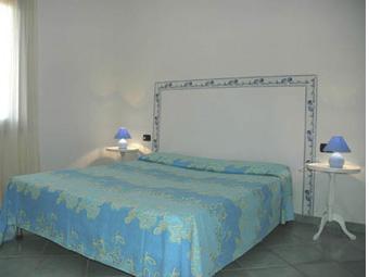 szardinia_apartman_eszaki_part_canne_apartmanok_san_teodoro_halo