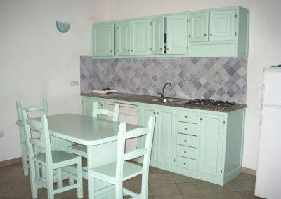 szardinia_apartman_eszaki_part_residence_baia_santa_reparata_santa_teresa_gallura_konyha