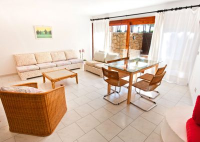 szardinia_apartman_eszaki_part_residence_pineta_uno_baia_sardini_arzachena_szoba