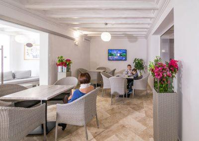 szardinia_hotel_3_csillagos_keleti_part_hotel_la_vecchia_marina_arbatax_lobbi