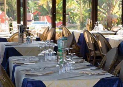 szardinia_hotel_4_csillagos_deli_part_eden_village_altura_villasimius_etterem
