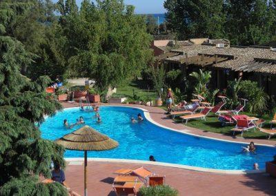szardinia_hotel_4_csillagos_deli_part_eden_village_altura_villasimius_hotel_medence