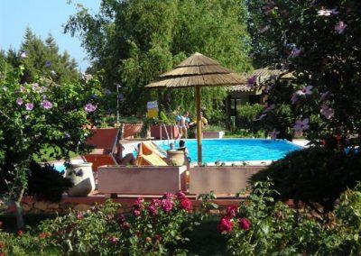 szardinia_hotel_4_csillagos_deli_part_eden_village_altura_villasimius_medence