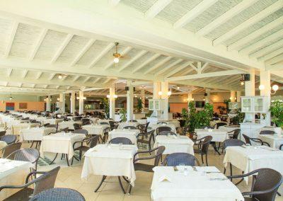szardinia_hotel_4_csillagos_deli_part_garden_beach_hotel_resort_castiadas_etterem