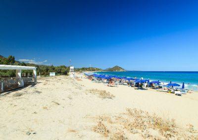 szardinia_hotel_4_csillagos_deli_part_garden_beach_hotel_resort_castiadas_tengerpart
