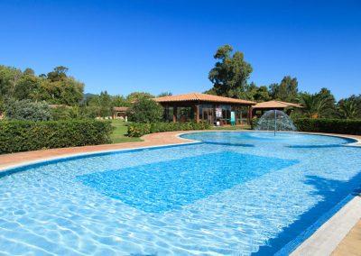 szardinia_hotel_4_csillagos_deli_part_garden_beach_hotel_resort_castiadas_uszomedence