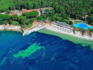 szardinia_hotel_4_csillagos_deli_part_hotel_is_morus_relais_pula_beach