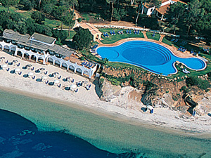 szardinia_hotel_4_csillagos_deli_part_hotel_is_morus_relais_pula_beach2