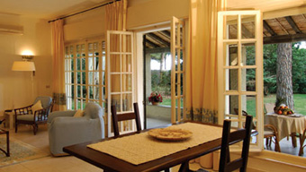 szardinia_hotel_4_csillagos_deli_part_hotel_is_morus_relais_pula_suit2