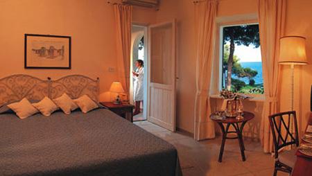 szardinia_hotel_4_csillagos_deli_part_hotel_is_morus_relais_pula_szoba