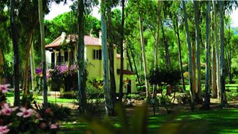 szardinia_hotel_4_csillagos_deli_part_hotel_is_morus_relais_pula_villa2