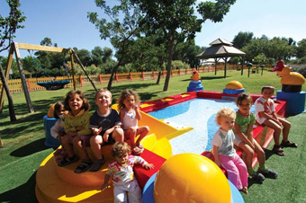 szardinia_hotel_4_csillagos_deli_part_tanka_village_resort_hotel_villasimius_baby_club